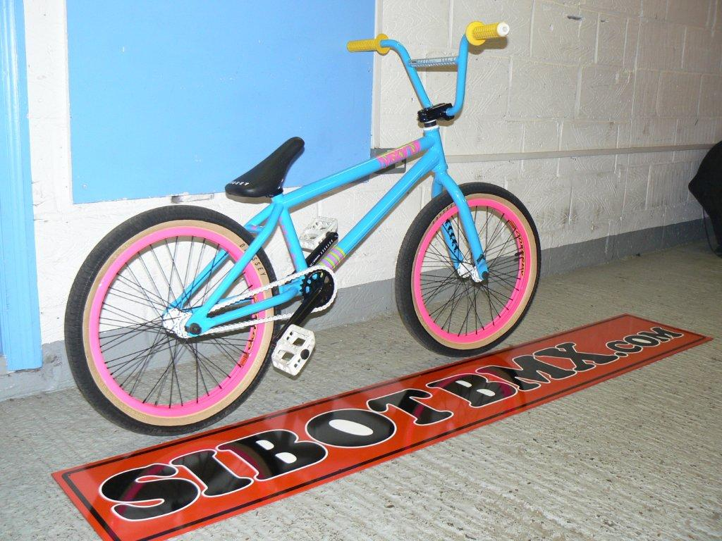 ITS BACK FROM THE DEAD AND EVEN BETTER SIBOTBMX CUSTOM 005