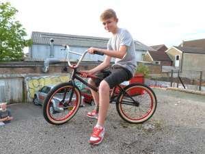 NEW SIBOTBMX RIDER ARCHIE HITS US UP FOR A UNITED MARTINEZ BMX