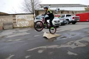 New SIBOTBMX rider Ben started his BMX training this week with SIBOTBMX crew rider Scott on his new United Recruit Jr.
