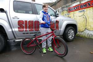 Ben decided it's time to get rid of the scoot and get onto a BMX.His choice of bike was the UNITED RECRUIT Jr 2015 METALIC GLOSS RED from SIBOTBMX