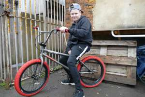 Lewis today came to SIBOTBMX for his 2017 Subrosa a big upgrade from his old trash can bike.Now its time to get it on Lewis.