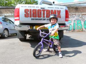 NEW SIBOTBMX RIDER AURTHUR FOLLOWS HIS BROTHER STANLEY INTO BMX