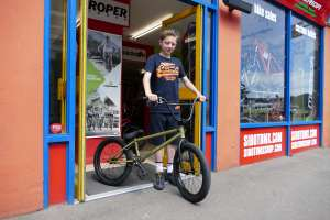 New SIBOTBMX rider Archie come all the way from Wimbeldon to Sibotbmx for his new Fly Bikes Proton.A quality bike for a good price is a Fly.
